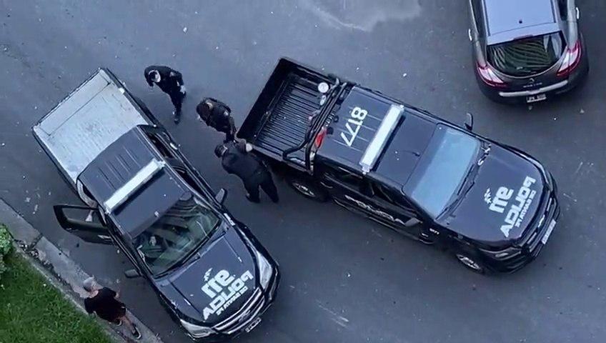 Ce policier rate sa marche arrière... oups