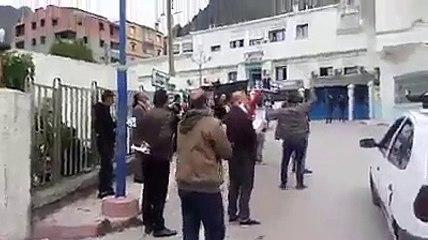 Kherrata : la population rend hommage aux personnels soignants de l'hôpital