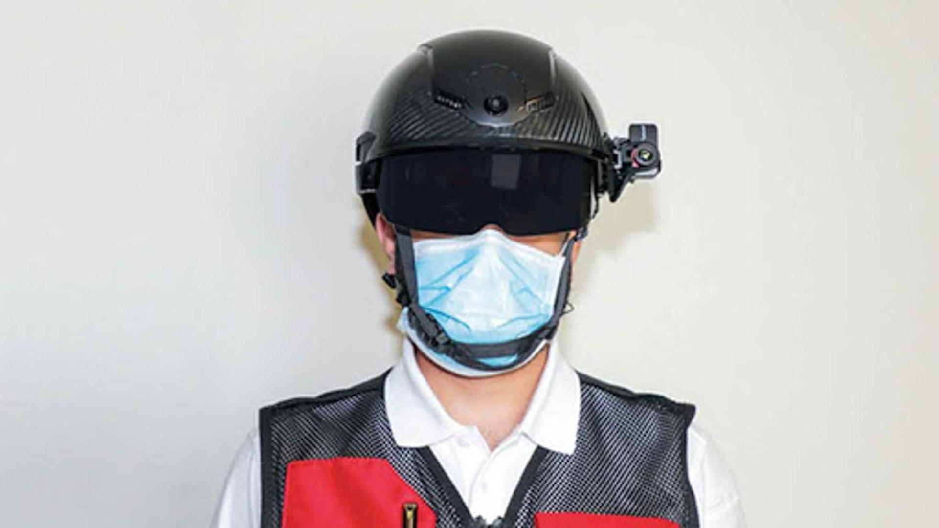 دبي: خوذة ذكية لمكافحة فيروس كورونا