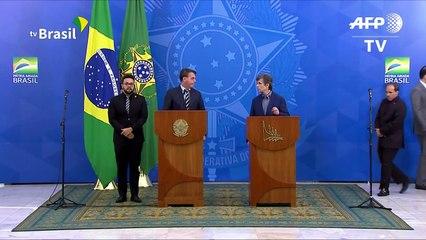 Bolsonaro destituye a ministro de Salud en plena crisis del coronavirus