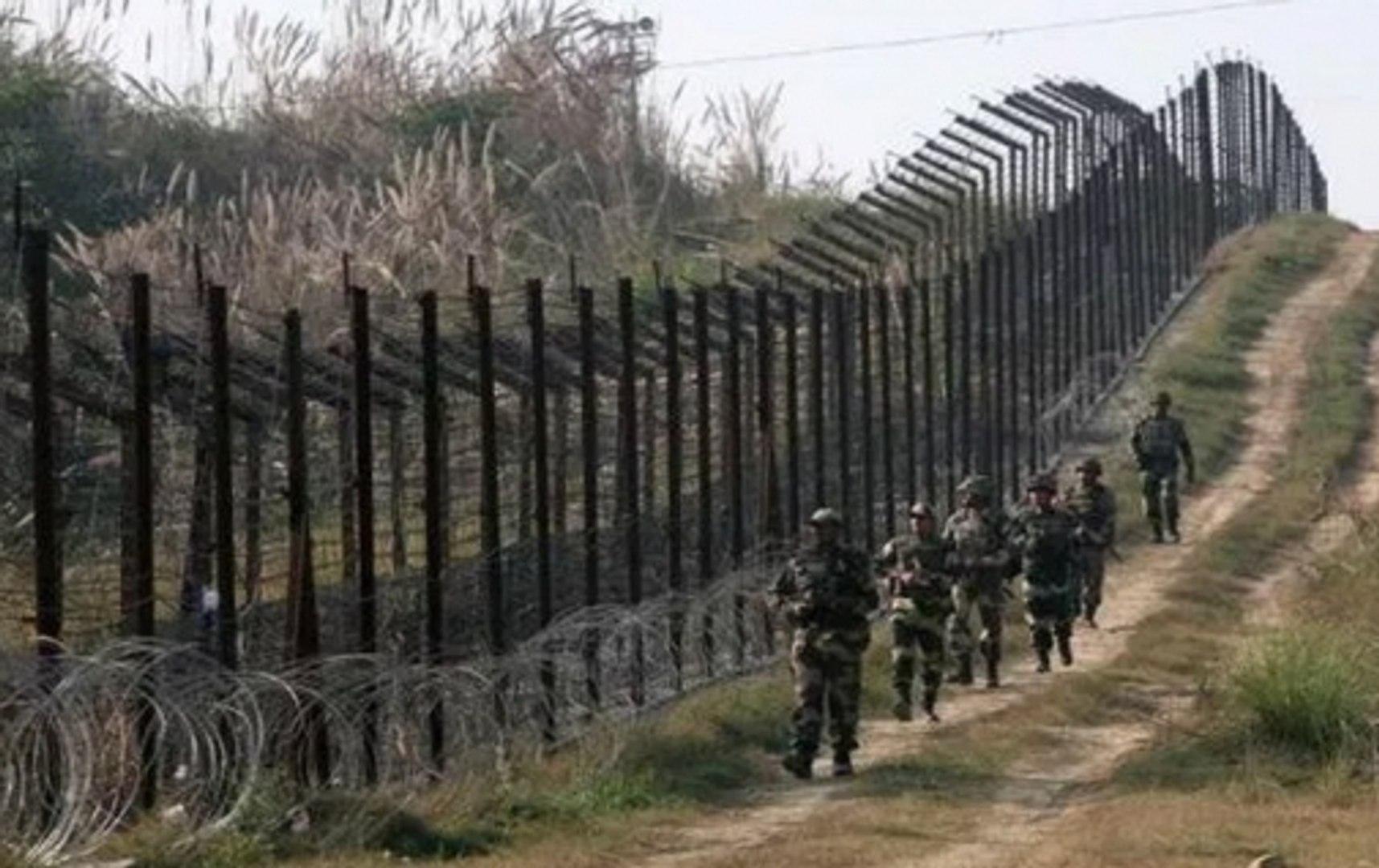 Pakistan violates ceasefire in Poonch, Nowshera area near LoC