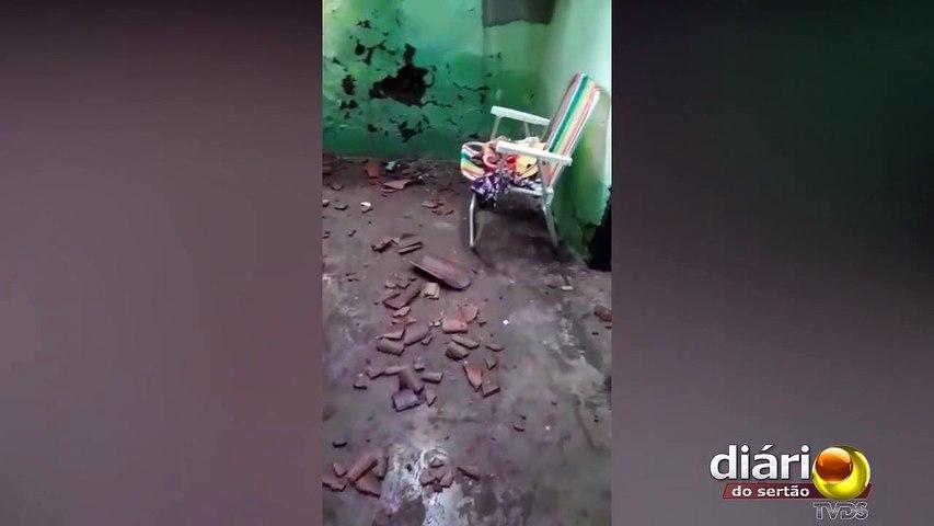 Raio atinge casa na zona rural de São João do Rio do Peixe