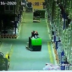 Un gros Fail dans un entrepôt