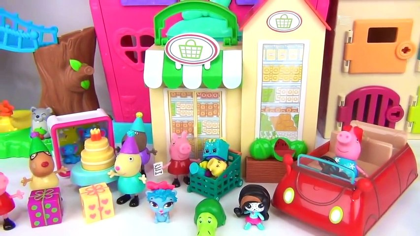 Peppa Pig Peppa's Red Car Lights and Sounds + Little Grocery Store Playset!