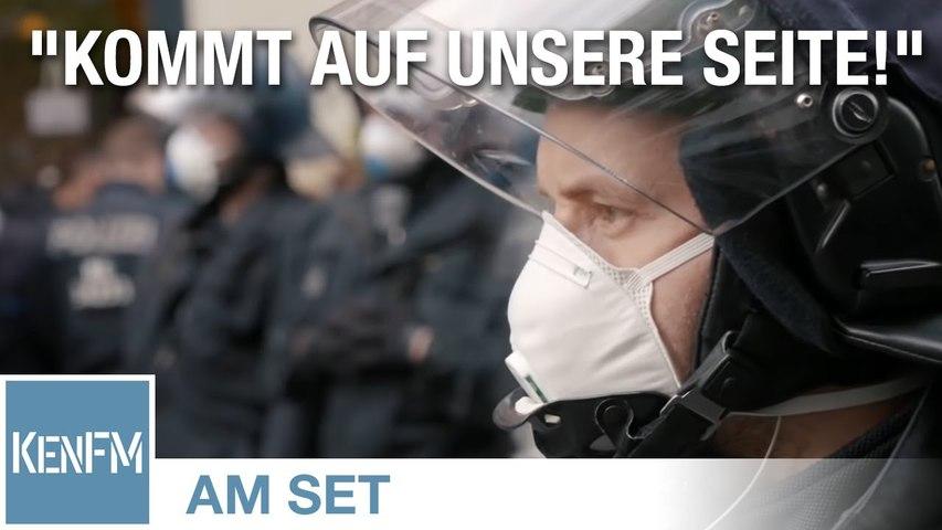 KenFM am Set: Grundgesetz-Demo, Rosa-Luxemburg-Platz am 25.04.2020 in Berlin