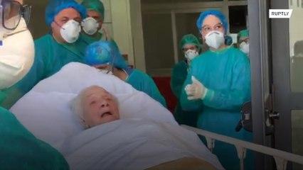 Поборовшую коронавирус столетнюю женщину выписали из больницы