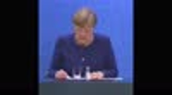 Selon Merkel, Macron ne lui a pas demandé d'annuler la saison de Bundesliga