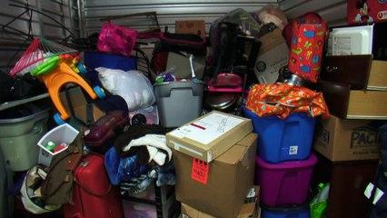 Storage Wars: Battle for the Best Locker - Mary vs. Rene & Casey   A&E