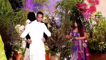 Ranbir - Alia, Varun - Natasha FIRST Media Appearance At Sonam Kapoor's Wedding Reception