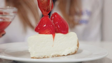 We tried 3 of the top-rated bakeries in New York to find the best classic cheesecake in town
