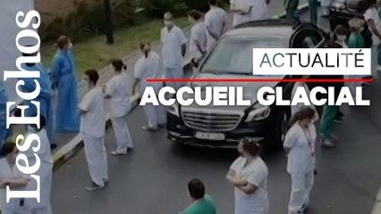 «Haie de déshonneur» pour la Première ministre belge en visite dans un hôpital