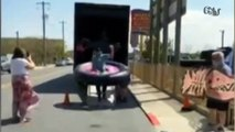 MARYLAND: FISH RESTAURANT INTRODUCE 'SOCIAL DISTANCING' TABLES | Restaurant uses giant bumper tables to keep customers safe at 6ft distance