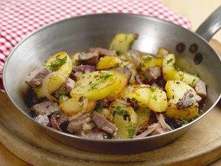 Patatas salteadas con ternera