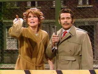 Jerry Stiller & Anne Meara - School Protest With Walter Flonkite And Mrs. Mulcahy