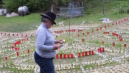 Tausende Kerzen für Corona-Opfer