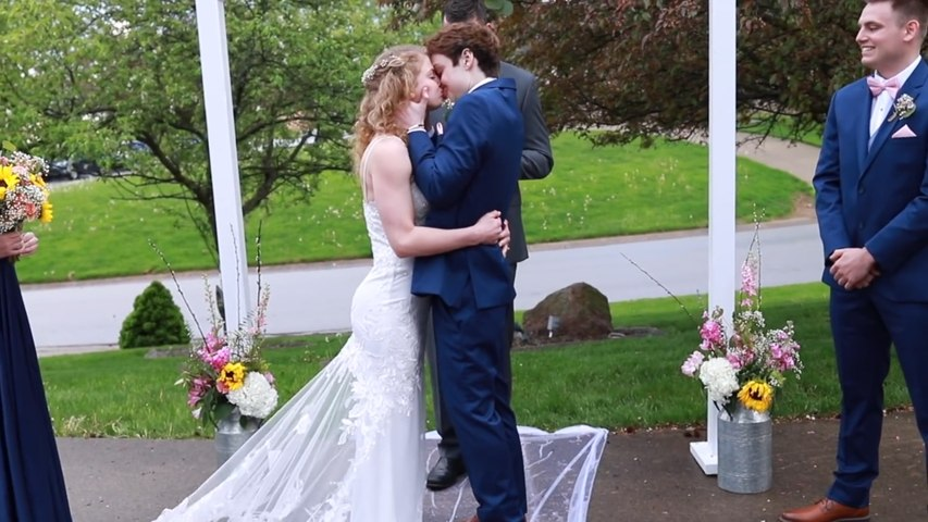 Teen With Months To Live Marries Girlfriend