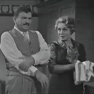 Le inchieste del commissario Maigret - S2e1 Non si uccidono i poveri diavoli Puntata 2 parte 2 (1966  sceneggiato RAI)  Gino Cervi