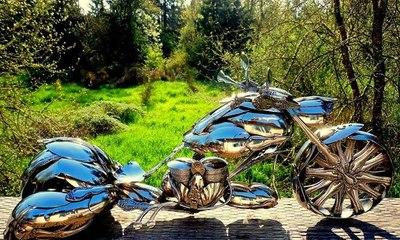 دراجة نارية مصنوعة من الملاعق!