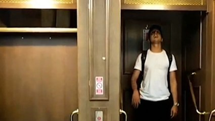This never-ending elevator requires quick reflexes