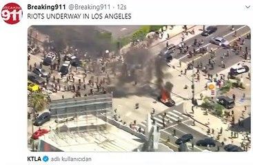 ABD'de Polis Arabası Ateşe Verildi
