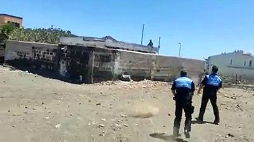 A pedradas con la Policía Local en El Médano