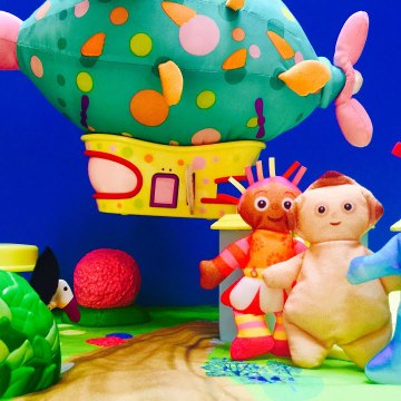 In The Night Garden Dancing Upsy Daisy and the Pinky Ponk Toy