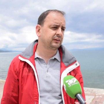 """Inertet """"mbysin"""" Pogradecin/ Firma që ndërtoi rrugën deri në Lin, nuk kishte fonde që t'i hiqte"""