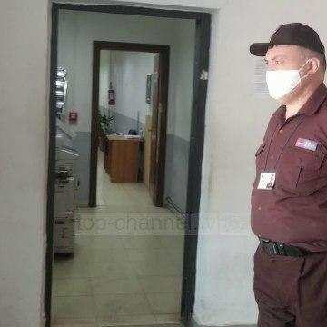 Familjarët e specialistes konfirmohen me koronavirus, 'alarmohet' Kadastra në Durrës