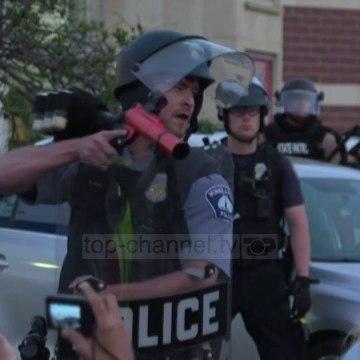 Top News - Protestat ne SHBA/ Grabitjet, qytetarët mbrojnë bankata