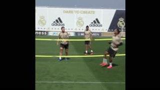 Rondos y fútbol-tenis en el entrenamiento del Real Madrid