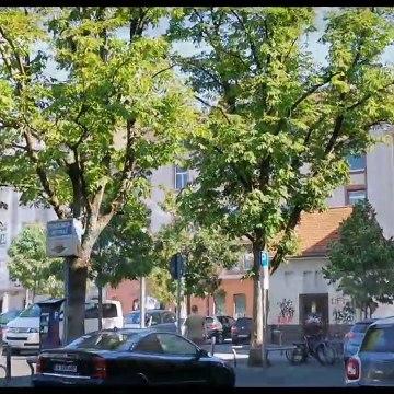 Suasana cuti umum sempena _Whit Moday_ di Bandar Offenbach am Main