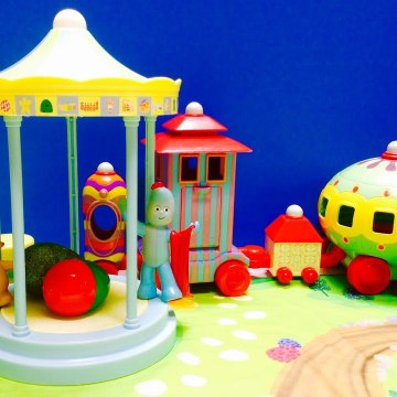 SURPRISE Easter Egg In The Night Garden Ninky Nonk and Iggle Piggle
