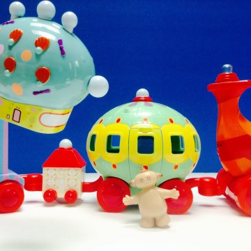 In The Night Garden Makka Pakka and The Pinky Ponk Toy