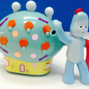 In The Night Garden Pinky Ponk Pull Toy with Iggle Piggle