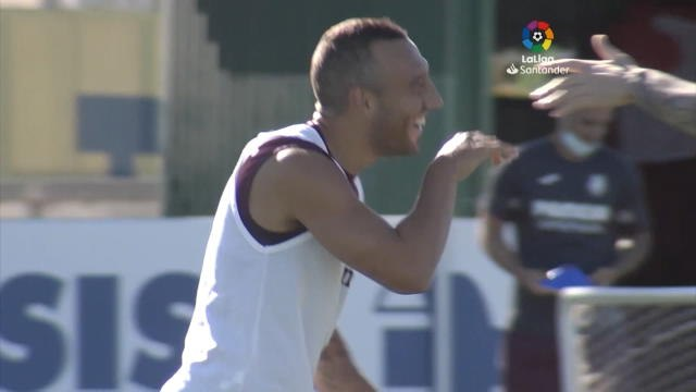 Villarreal - Santi Cazorla tout sourire à l'entraînement à une semaine de la reprise