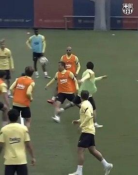 La passe de génie de Messi à l'entraînement