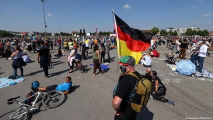 Teorias da conspiração e extrema direita ganham fôlego com covid-19 na Alemanha