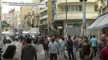 SP e Rio têm ruas cheias em meio a uma previsão sombria