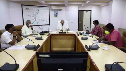 GUJARAT MINISTER BHUPENDRASINH CHUDASAMA REVIEW COVID-19 SITUATION WITH AHMEDABAD COLLECTOR AND DISTRICT ADMINISTRATION