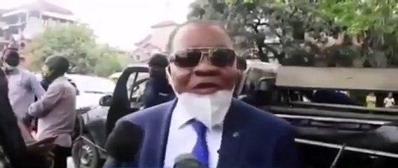 C'était un peu trop pour honorable Kokoyangi. Il a été dangereusement affecté.