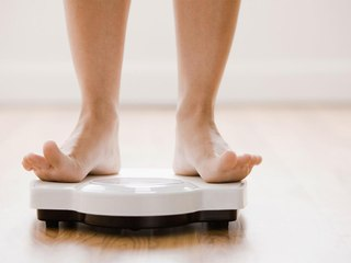 10 Ways to Lose Weight Without Dieting or Stepping Foot in the Gym