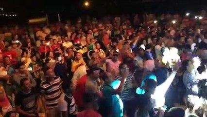 غناء ورقص الجمهور على يا منعنع مع مصطفى حجاج لايف - بورتو مطروح 2016