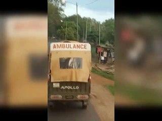 Un tricycle transforme en ambulance au Togo