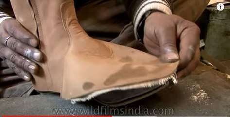 Amazing handmade leather boots in the making - The Best of India