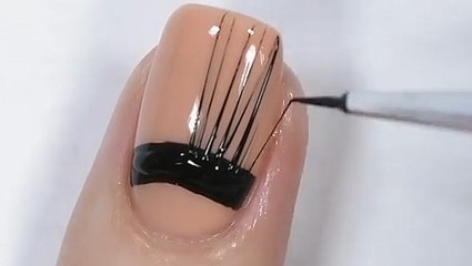 Spider gelling nail technique allows for endless design possibilities