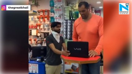 The Great Khali throws away his laptop, gets angry over poor performance