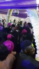 Mariage  ils chantent du System of a down au Nigeria !