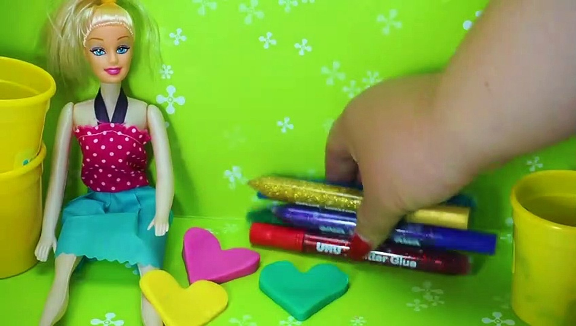 Barbie princess doll make play doh hearts - Barbie play with play doh for kids- Kids Videos-