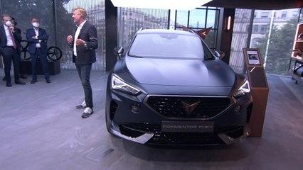 SEAT presenta SEAT Ateca y Leon FR en la inauguración oficial de CASA SEAT