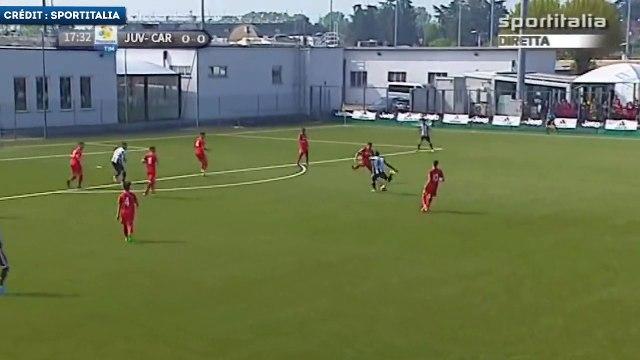 La lourde frappe de Franck Kanouté avec les U19 de la Juventus
